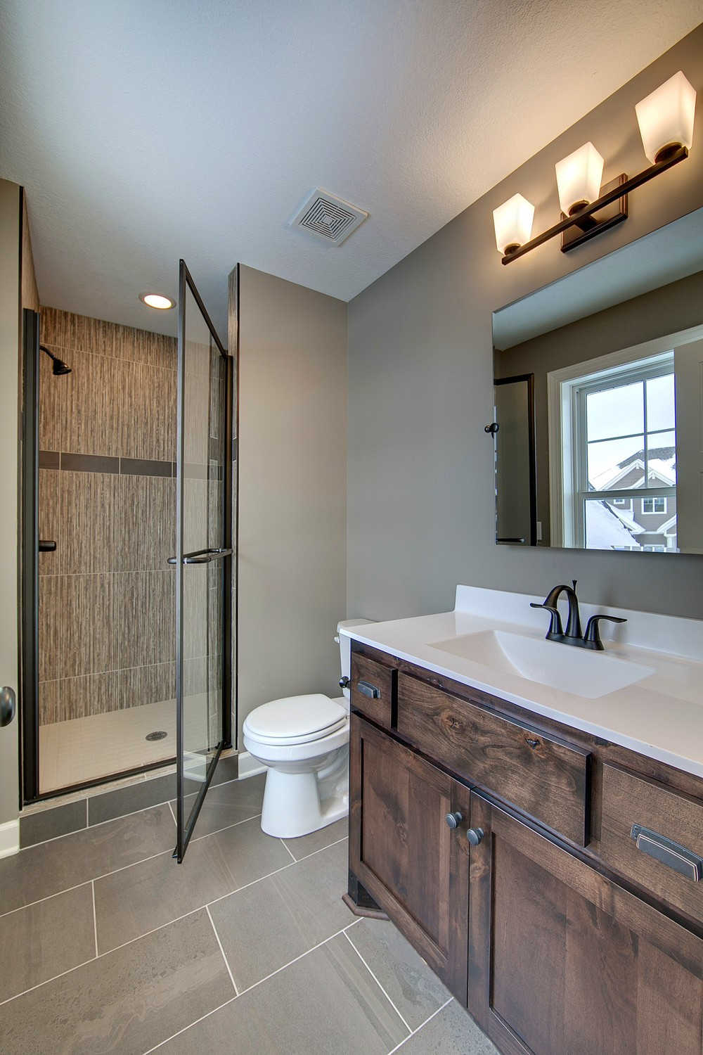 4489-Bluebell_Bath Junior Suite.jpg