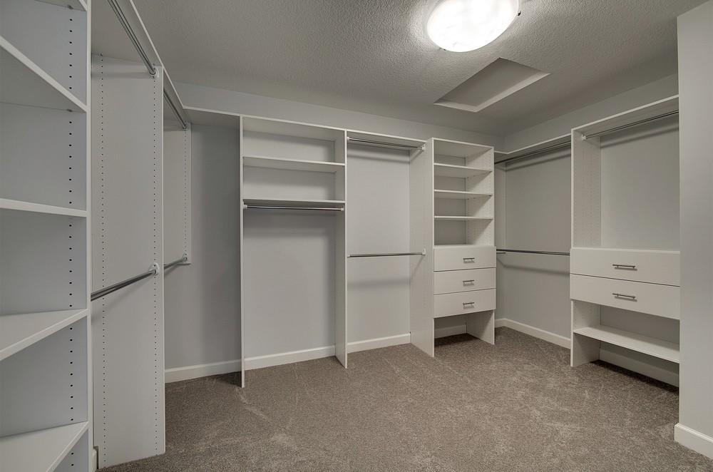4489-Bluebell_Master Closet.jpg