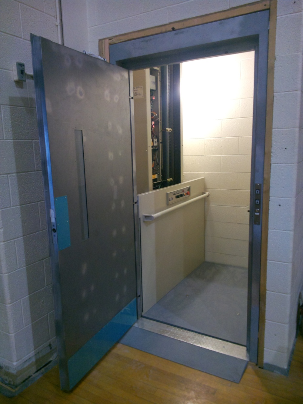 Wheelchair Lifts Commerical Mcnally Elevator Company