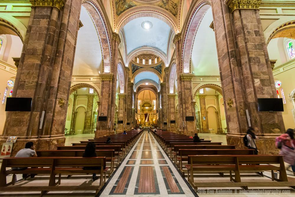 Catedral De La Inmaculada Conception 2, Cuenca, Ecuador