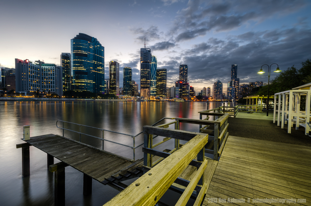 The Kangaroo Point Boardwalk, Brisbane, Australia