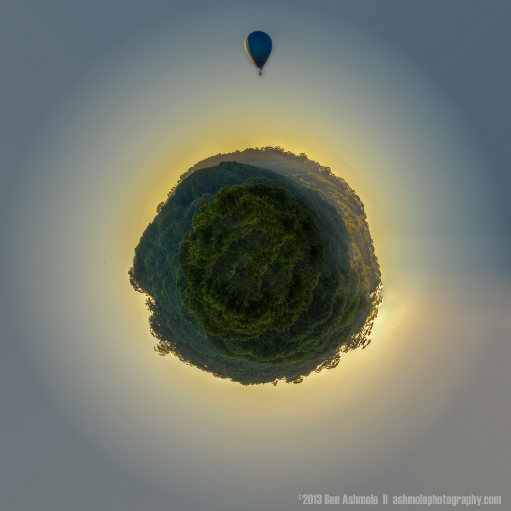 Hot Air Balloon Trip Around The Tiny Planet, Byron Bay, Australi