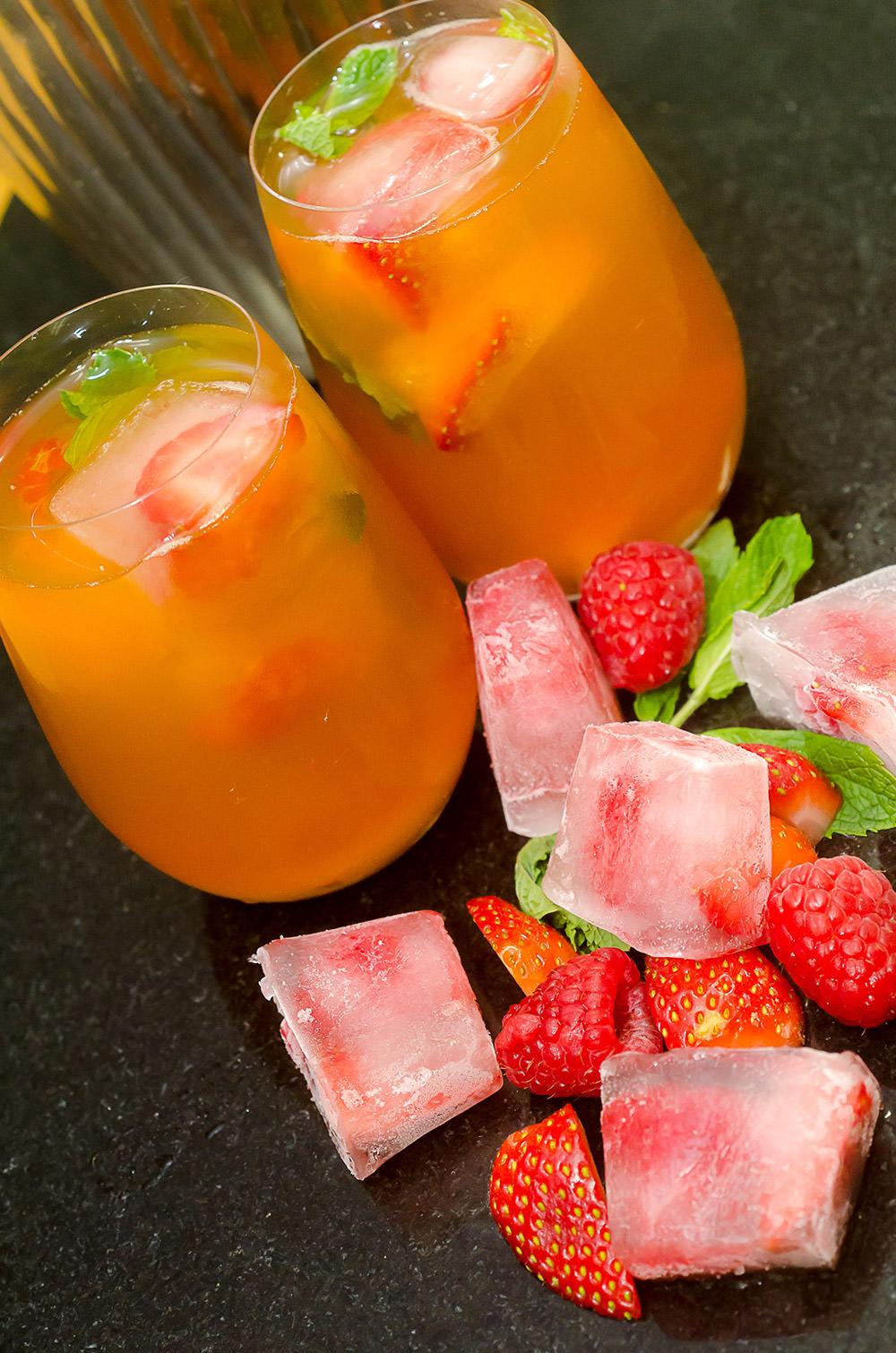 Ice-tea with Berry Ice Blocks / Karen E Photography
