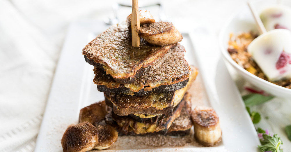 Banana Bread French Toast with Cinnamon Bananas / Kate Martens (p)