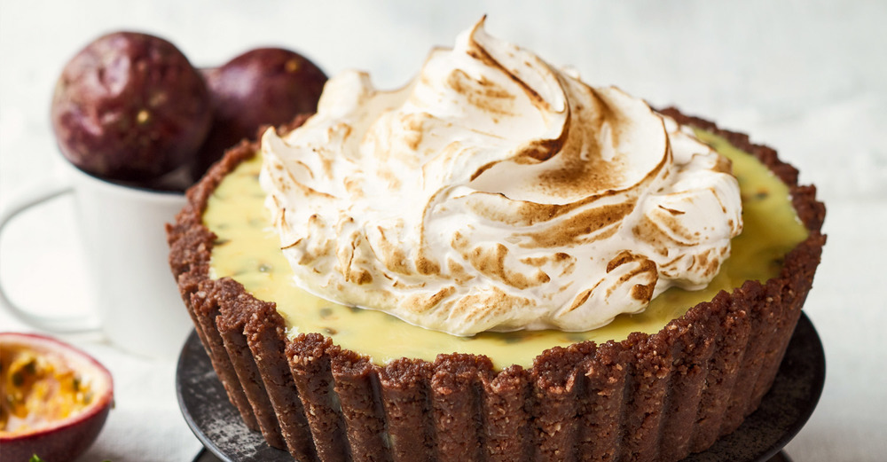 Granadilla Tart with Romany Creams & Italian Meringue / Kate Martens (p)