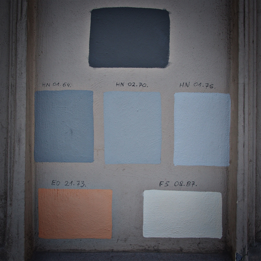 Color tests on dusty architecture.