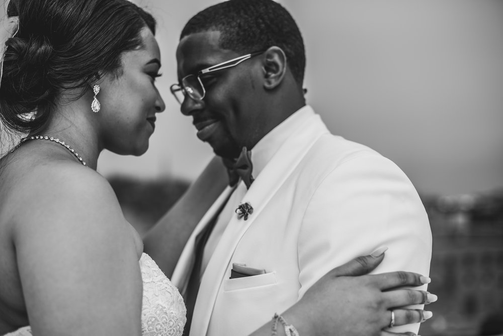 Burlington Iowa Wedding Midwest Photographer Melissa Cervantes _ Chantelle and Isaiah 291r.jpg
