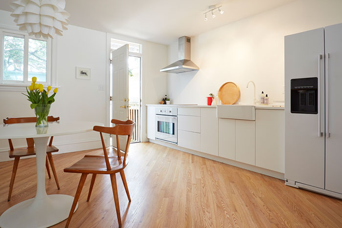Becoming Minimalist: Why I'm Getting Rid Of One Thing, Every Day | Second Floor Flat