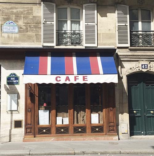 cafe in Paris | Second Floor Flat | secondfloorflat.com
