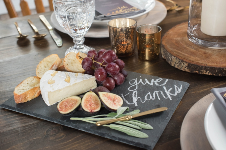Friendsgiving Styled Shoot-0019.jpg