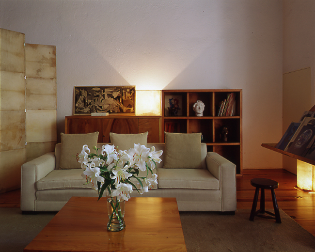 All photos © Casa Luis Barragan via  ArchDaily