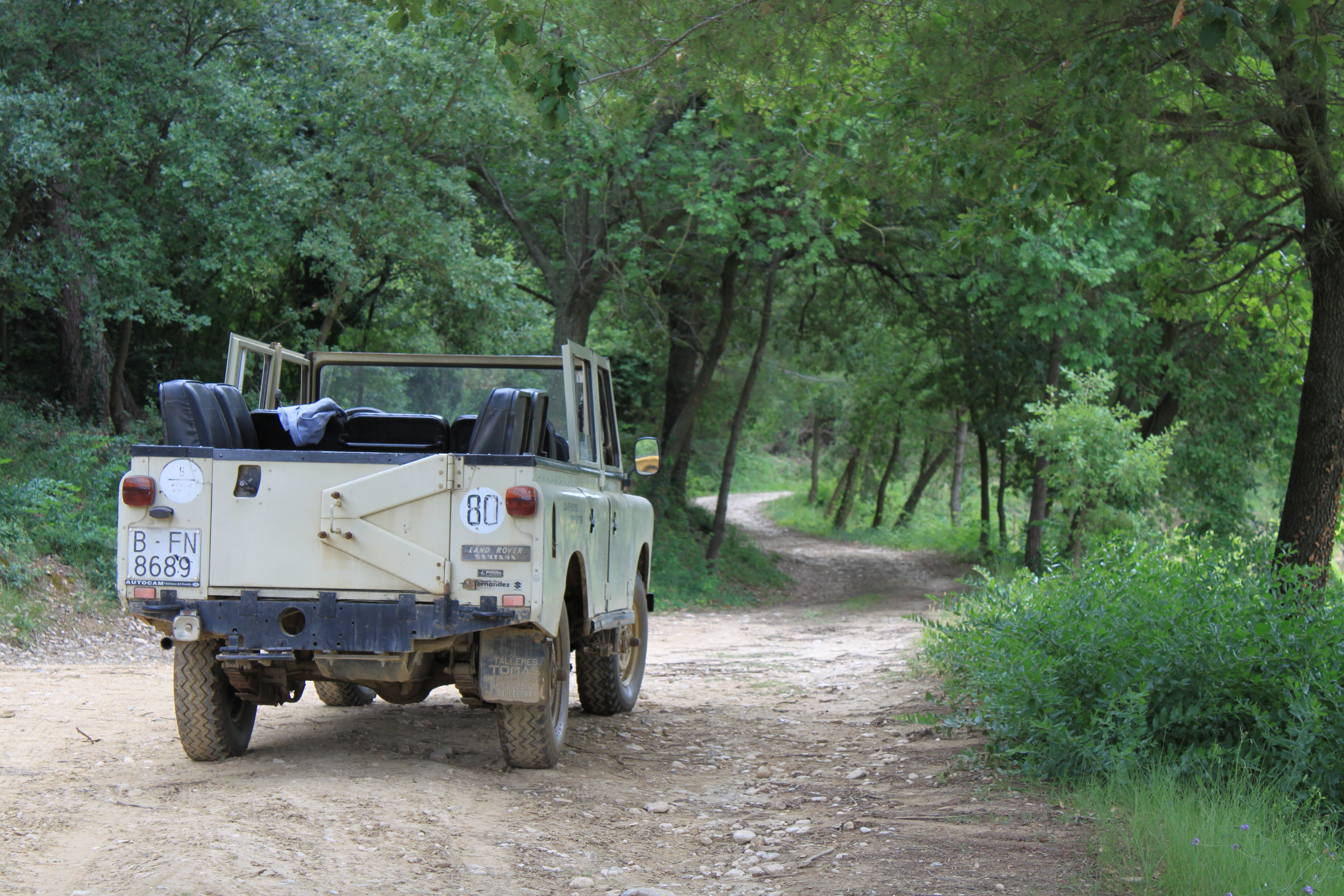 Raventos Land Rover