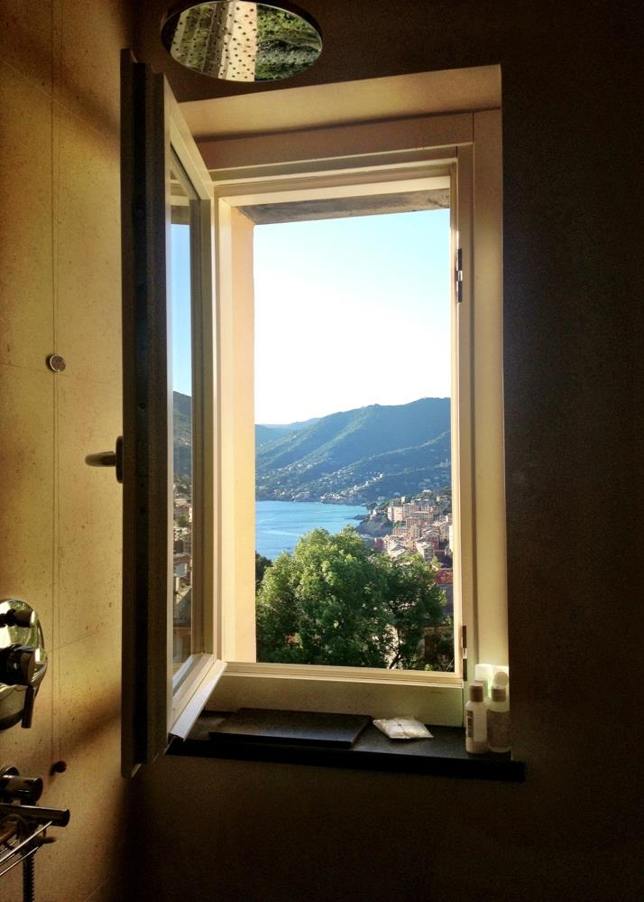 Shower view. Terrace room at Villa Rosmarino.