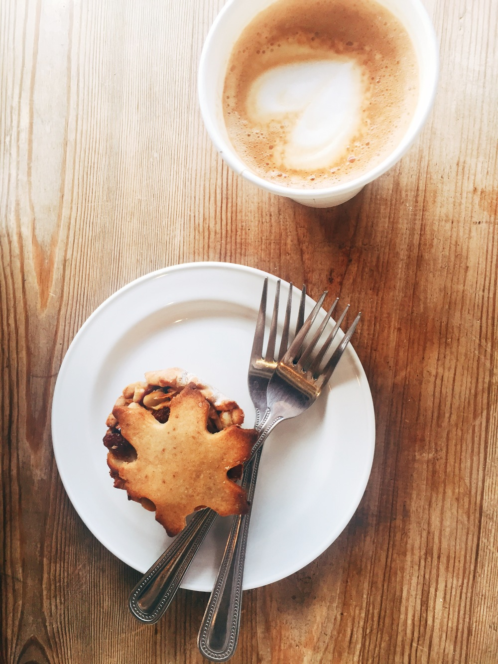 Delicious (and healthy) mince tart and the best flat white. Ripe Kitchen, Camden.