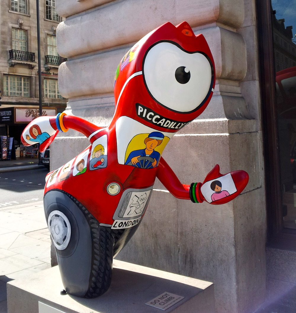 Another view of Piccadilly Circus Wenlock