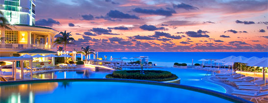 時光暫停, 在海邊的老爺酒店, 只管盡情享受它的悠閒。(Image Source: Le Meridien Cancun)