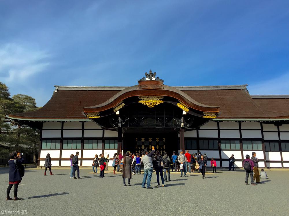 「新御車寄」為京都御所內唯一的20世紀建築,是天皇車輛停駐的地方。© Eileen Hsieh