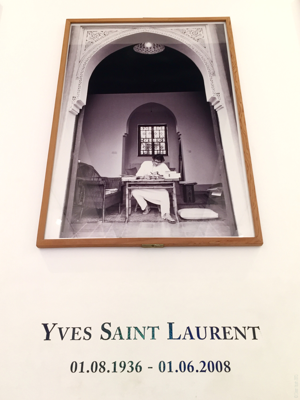 The world-renowned fashion designer Yves Saint Laurent at Jardin Majorelle. 名服裝設計師伊夫•聖洛朗 (YSL) 在馬若雷爾花園的舊宅裡。
