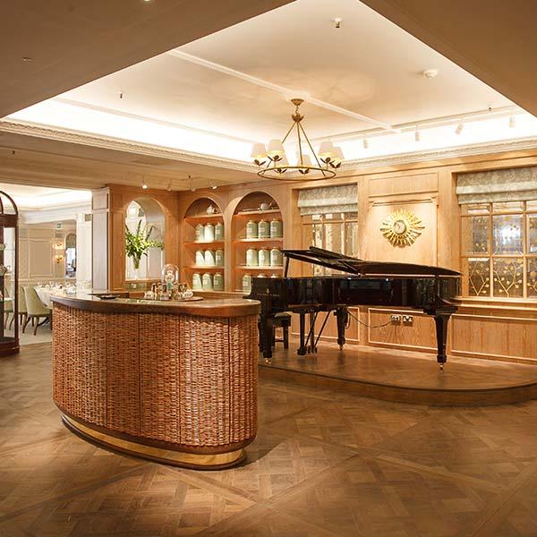 Fortnum& Mason's Diamond Jubilee Tea Salon.F&M 鑽禧茶沙龍。©Fortnum & Mason