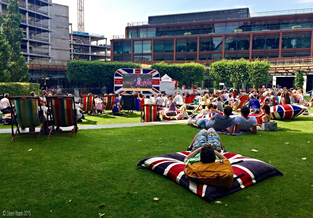 Just a short walk from Big Ben, Cardinal Place across from Victoria station is a good place to catch the excitement of Wimbledon. 大笨鐘附近, 位於 Victoria 車站正對面的 Cardinal Place 是觀賞溫布頓網球錦標賽的好地方。 © Eileen Hsieh 2015
