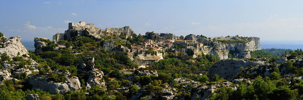 玻堡城 Les Baux (By Benh LIEU SONG - Own work, CC BY-SA 3.0, https://commons.wikimedia.org/w/index.php?curid=5143955)