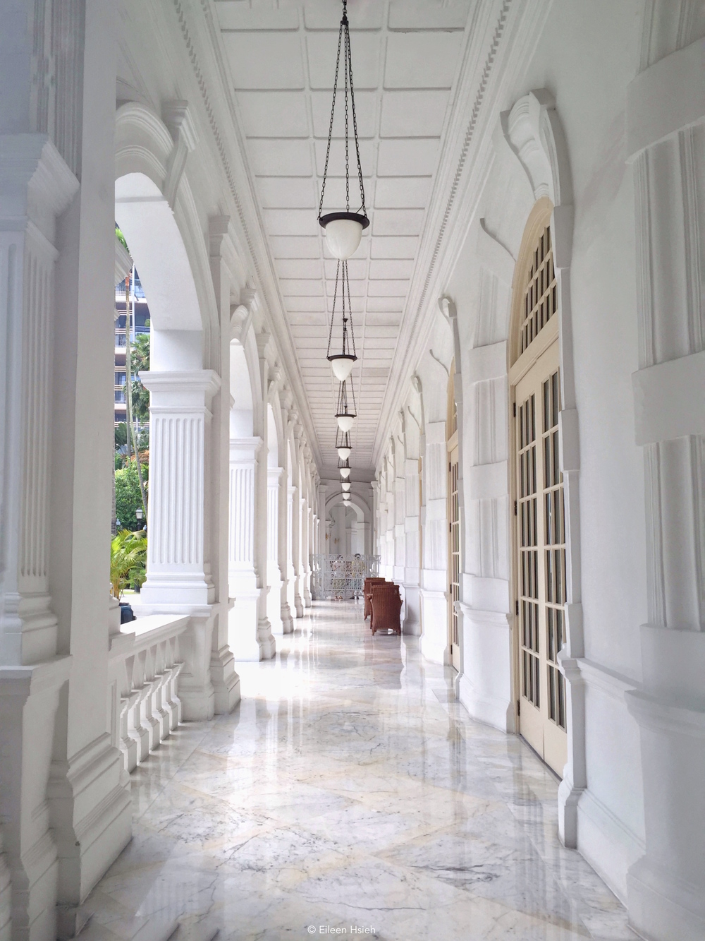 White marbel colonnade.© Eileen Hsieh