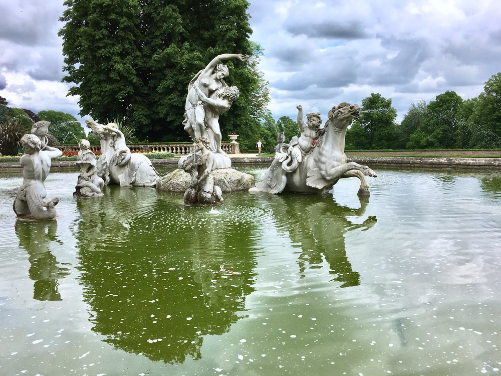 UK Waddesdon Manor garden fountain National Trust French Chateau Rothschild Buckinghamshire garden chateau Eileen Hsieh Follow That Bug .jpg