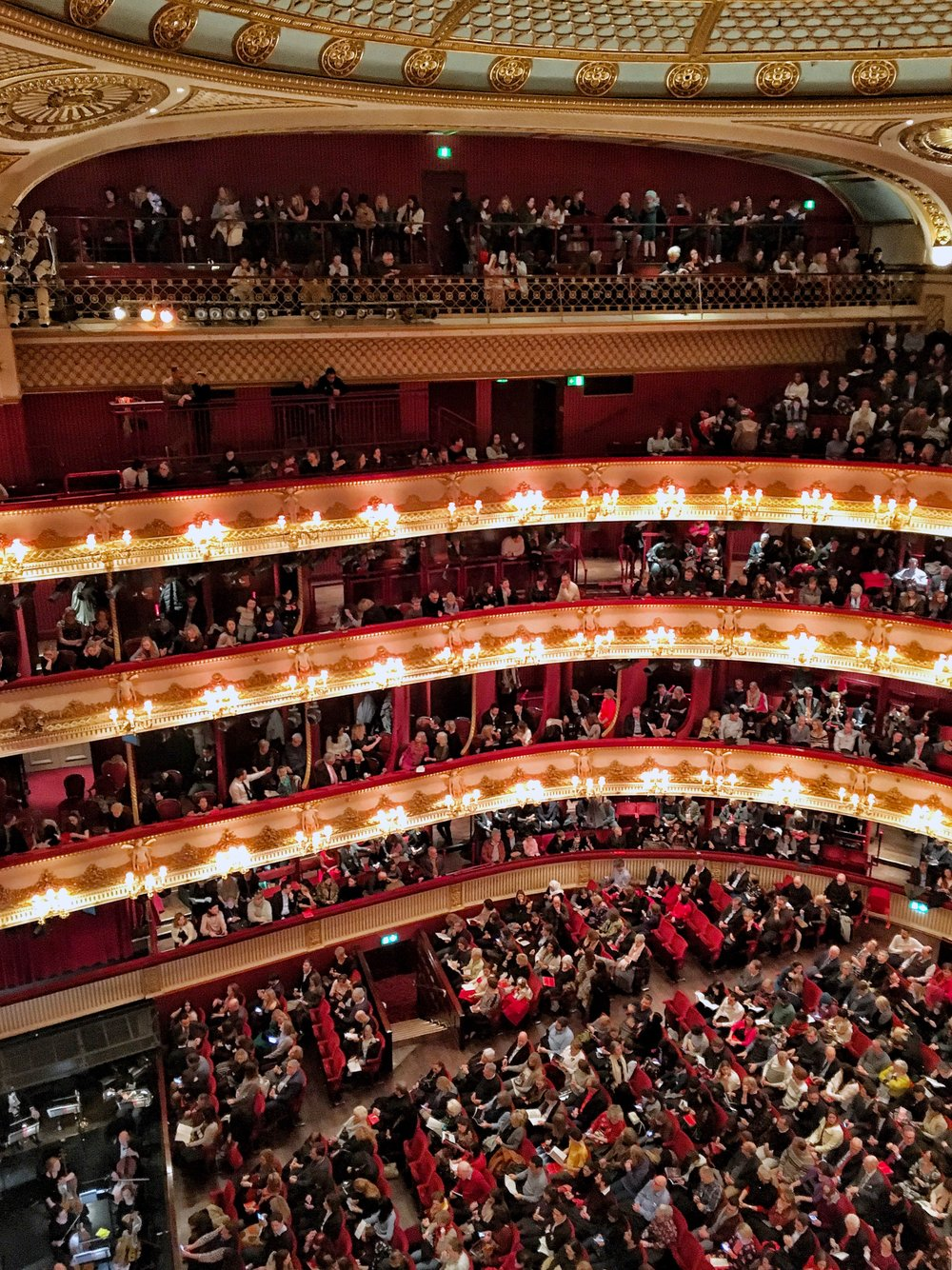 London Royal Opera House auditorium followthatbug eileen hsieh follow that bug UK ballet