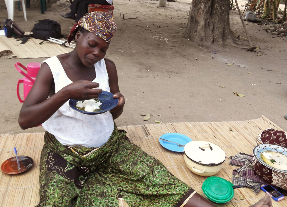 I spend the money on food but it is a big family and with so many people it does not go far – it is only enough for a little flour, and I could never stop working.  © Celeste Chirinza 2012 / ODI / PhotoVoice