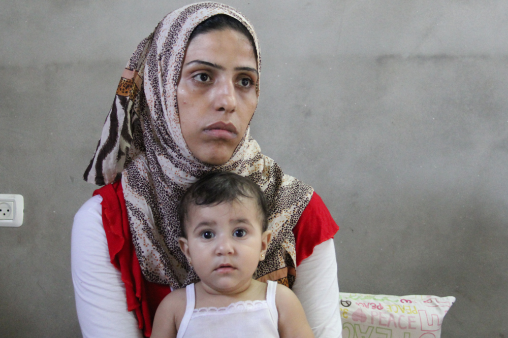 Female head of household with her daughter, Gaza © Bassam Hamad 2012 / ODI