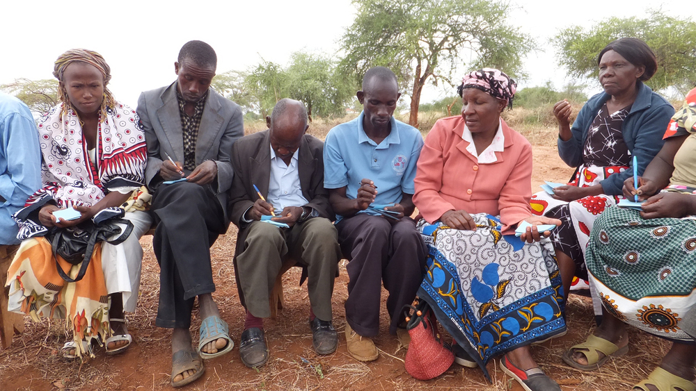 Community poverty ranking exercise, Kwakavisi, Kenya  © Onyango Ouma 2012 / ODI