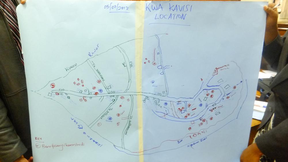 Community mapping exercise, Makueni, Kenya  © Onyango Ouma 2012 / ODI