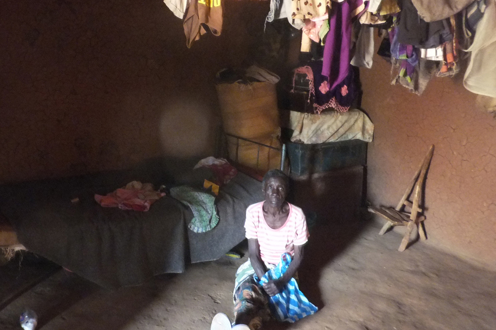 Grandmother beneficiary in her hut, Kenya.  © Beryl Oyier 2012 / ODI