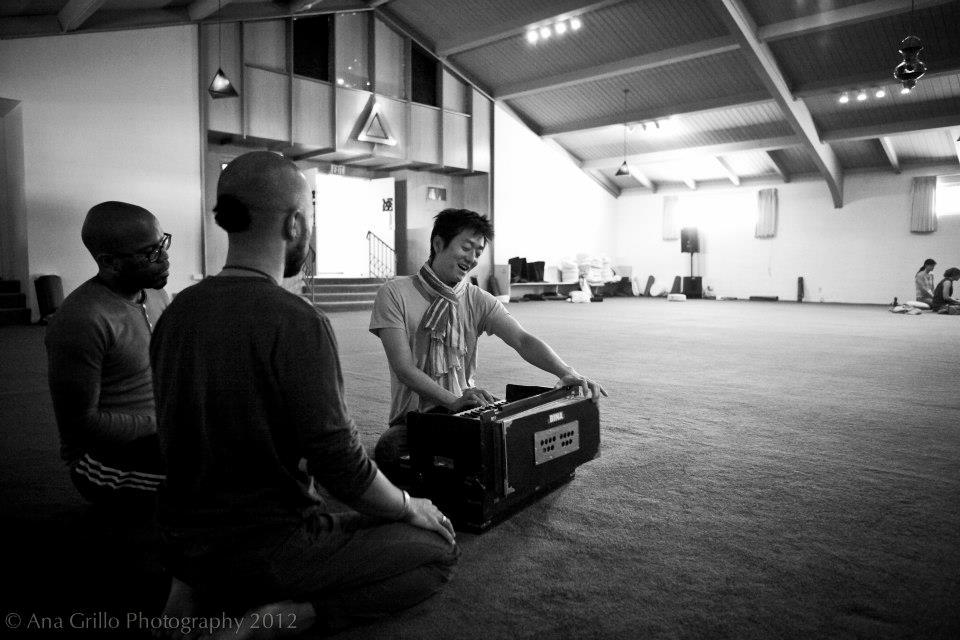 """Rama Bolo!"" Practicing Harmonium"