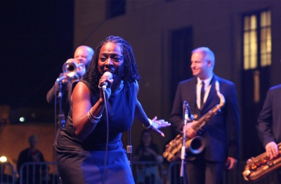 Sharon Jones & The Dap Kings, Live On The Green, Nashville, TN 10.01.09