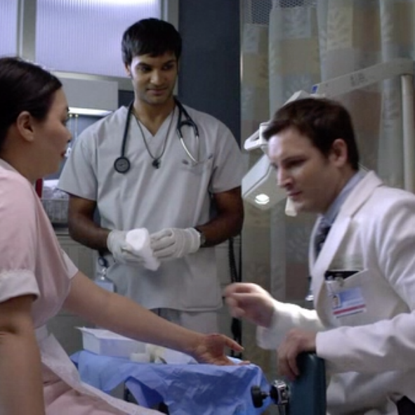 "On Set: ""Nurse Jackie"" / Rebecca as an Injured Waitress with Arjun Gupta as Sam and Peter Facinelli as Dr. Fitch ""Coop"" Cooper"