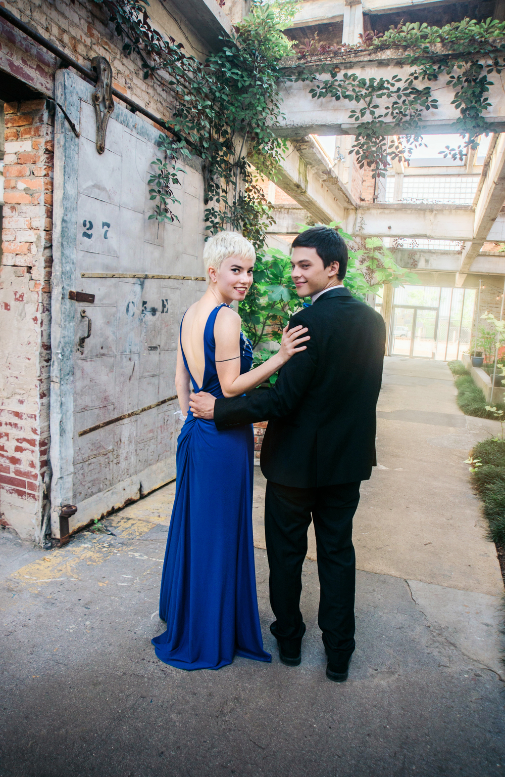 Karen Kelly Studios -Prom16 - Sam and Krista02.jpg