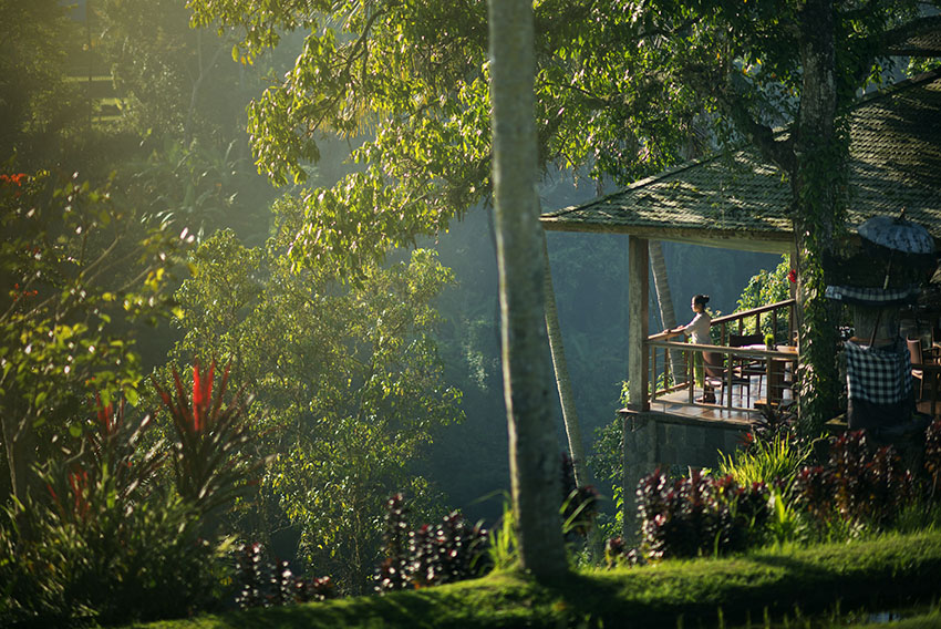 Bali Luxury Resort, Chapung Sebali, restaurant at sunrise