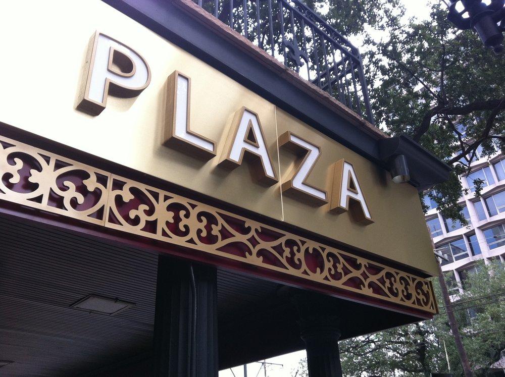 AvenuePlaza.JPG