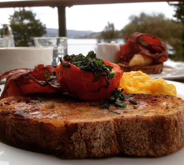 Breakfast at Jetty Cafe, Bruny Island