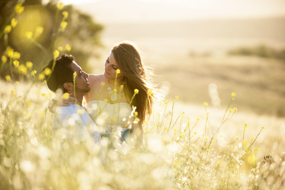 f27-Photography-Engagement-Session-gorgeous-couple-thousand-oaks-field