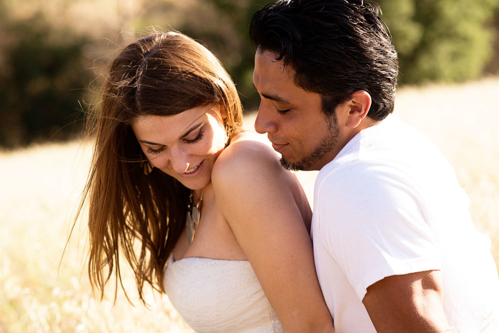 f27-Photography-Engagement-Session-laughing-in-thousand-oaks-field