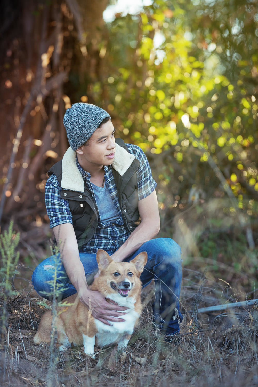 f27-Photography-Fashion-Shoot-Ventura-County-modeling-with-Welsh-Corgi