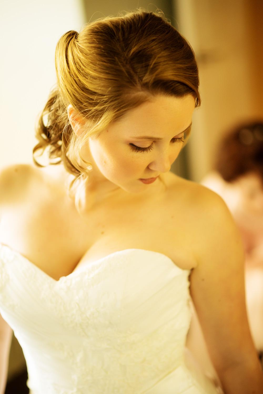 f27-Photography-Ojai-Wedding-February-2014-Bride-portrait-Almost-Ready