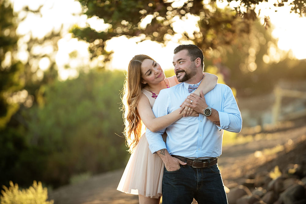 f27-Photography-Ventura-Grant-Park-Serra-Cross-Family-Photo-Session-mom-and-dad-in-love