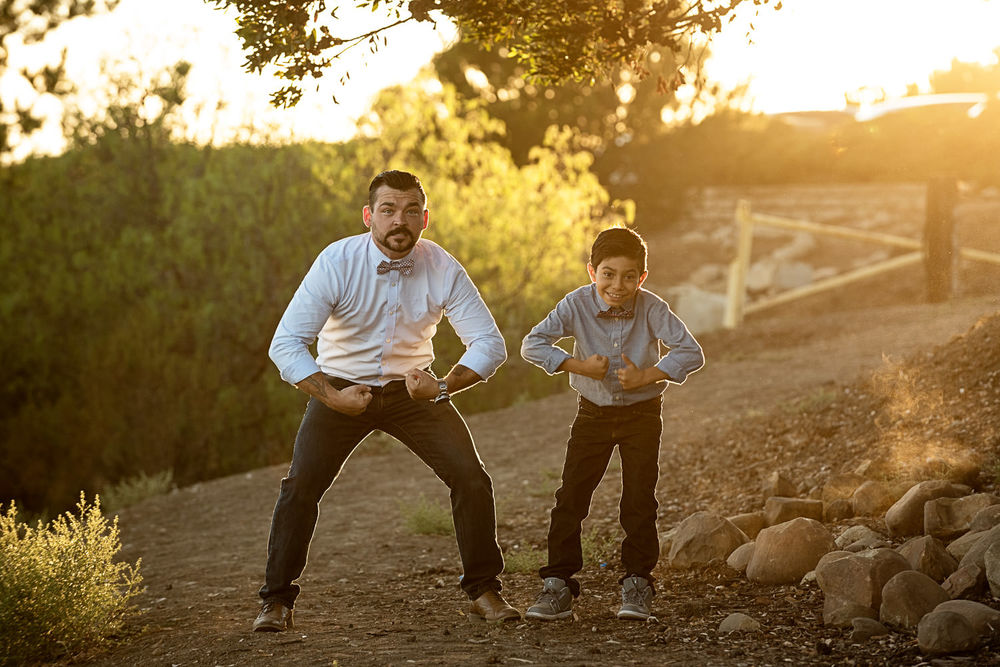 f27-Photography-Ventura-Grant-Park-Serra-Cross-Family-Photo-Session-dad-and-son-flex