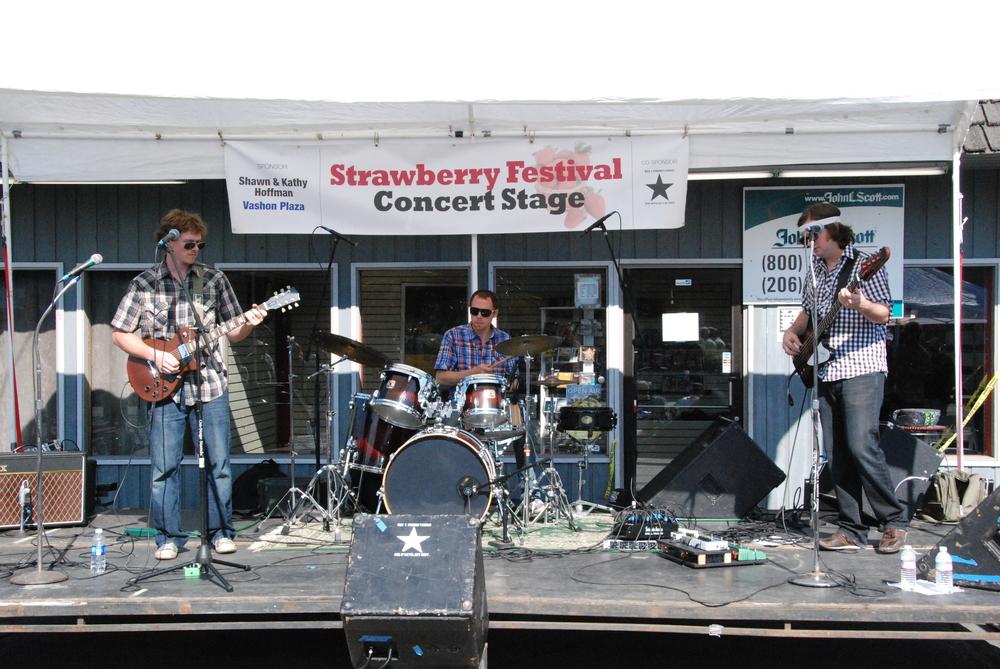 072112 Strawberry Festival 353.JPG