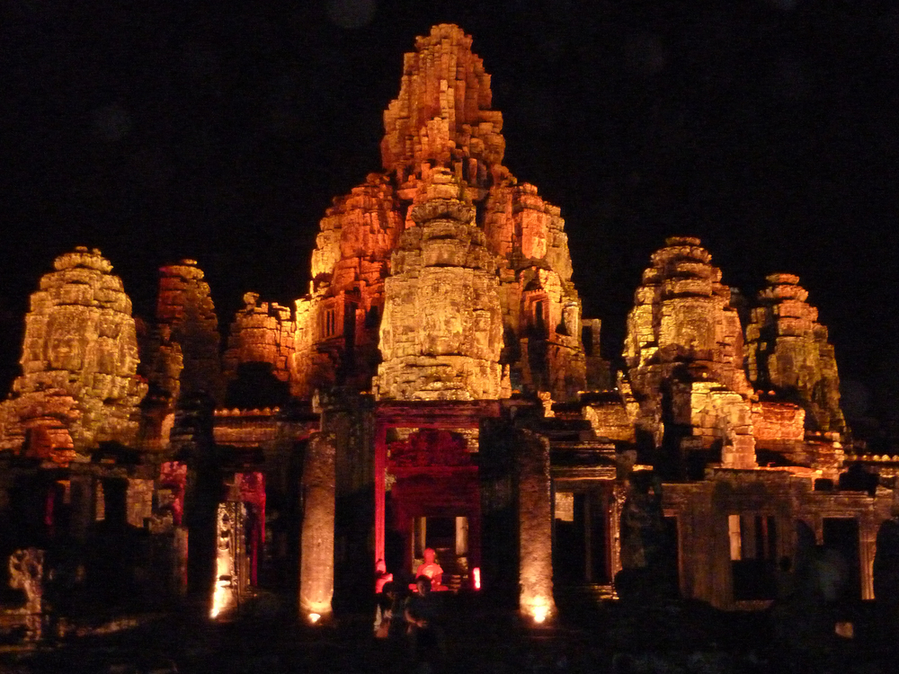 Bayon Temple at night