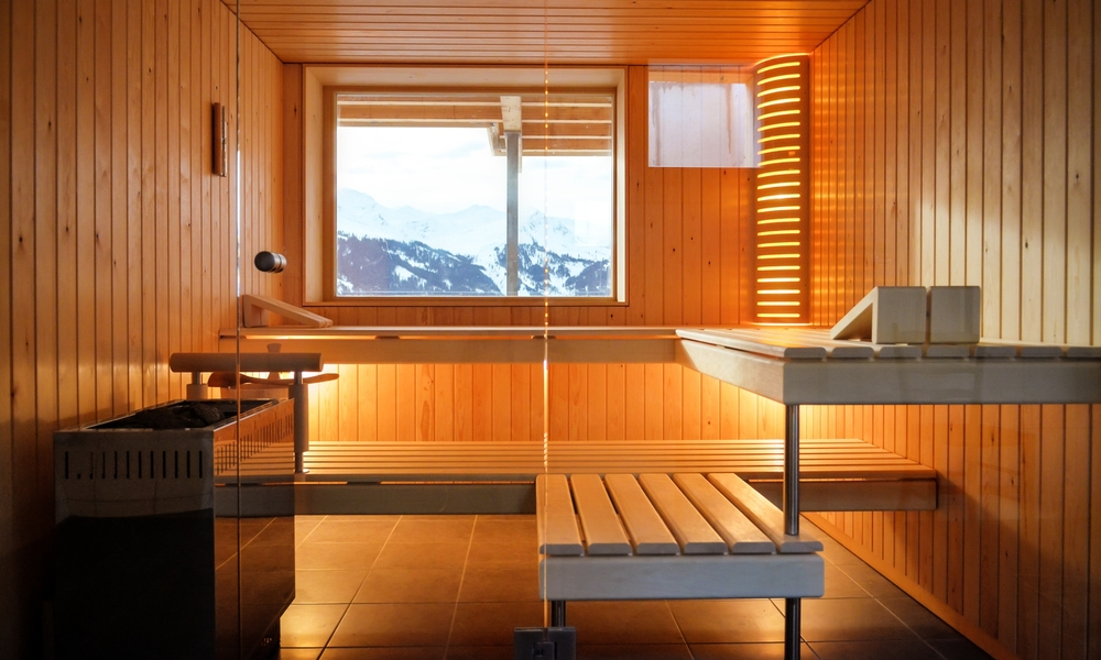 sauna-aussicht-berge-finnisch