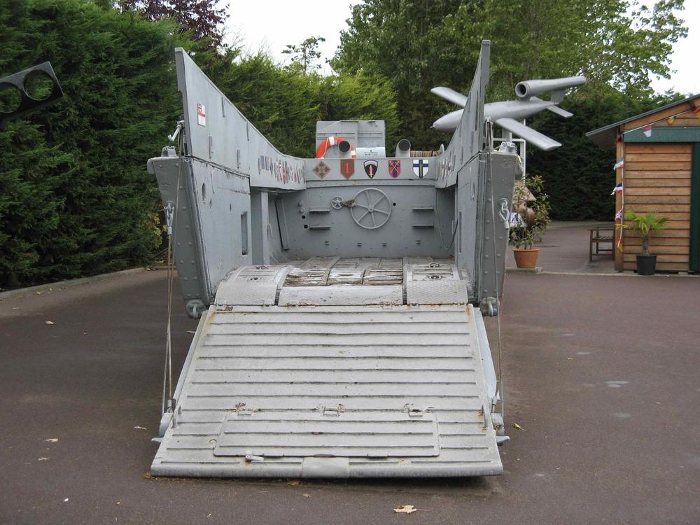 Le Grand Bunker ambphibious